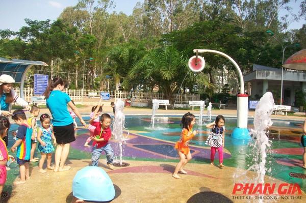 khu vui chơi trẻ em tại CV Gia Định