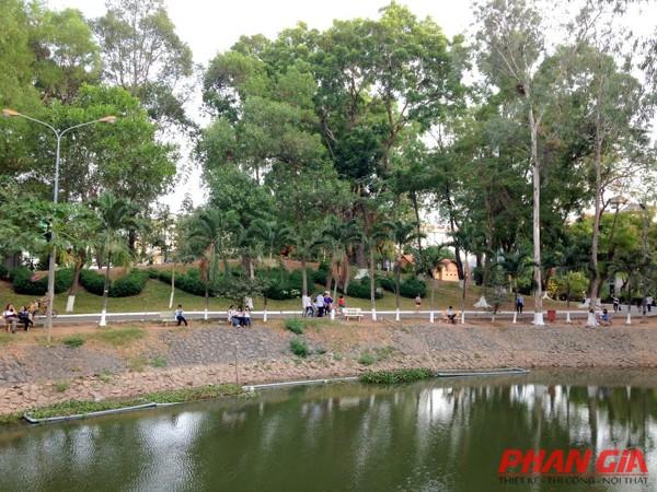 Khuôn viên Công Viên Lê Thị Riêng